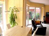 1 bis 2-Familienhaus (Architektenhaus), bietet die Möglichkeit zum Wohnen und Arbeiten auf zwei Ebenen
